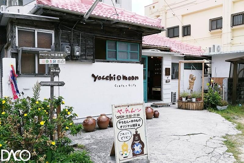 Yacchi & moon