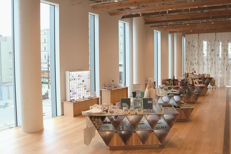 OWOS : Toyama Glass Art Museum