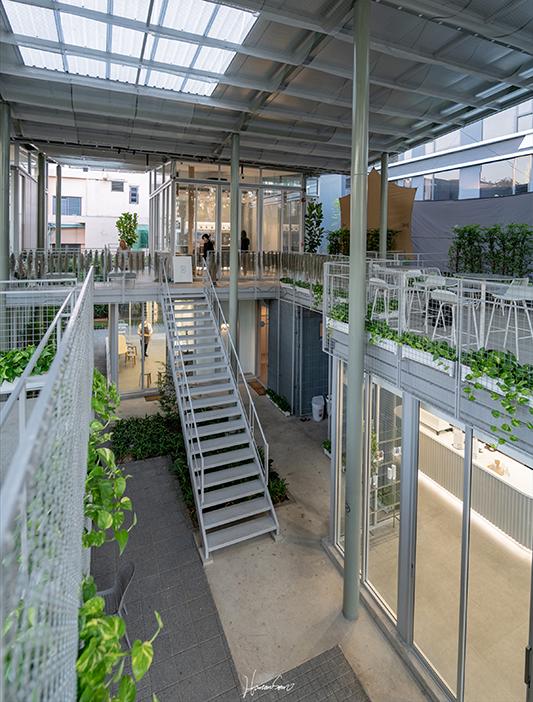 """Architectural Review: """"ตึกนี้มีความเป็นไทยผสมอยู่ไหมนะ?"""""""